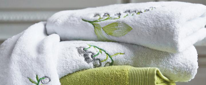 Linge de bain serviette lily gris