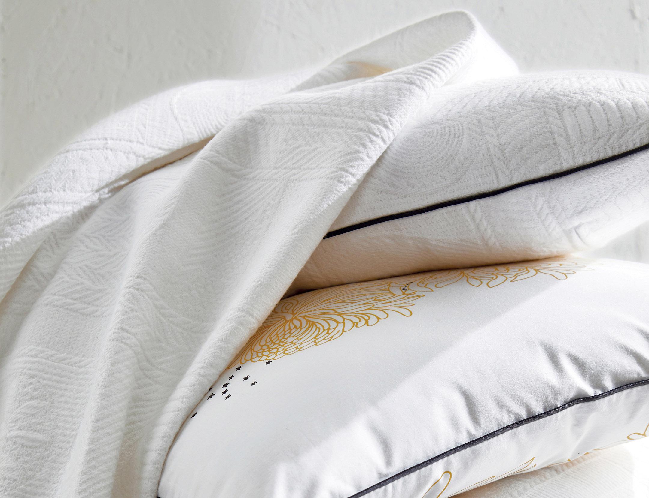 nil jet de lit la boutique blanc des vosges. Black Bedroom Furniture Sets. Home Design Ideas